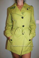 плащ, пальто 36р салатового цвета
