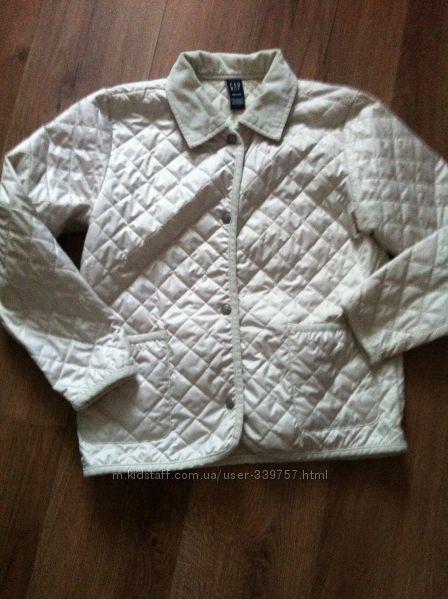 Стильна стеганная курточка Gap