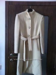 Молочное пальто из ламы Инд. пошив
