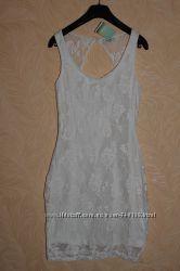 Кружевное платье с открытой спинкой Pull and Bear