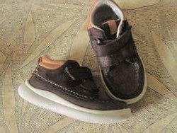 Ботинки на мальчика 24р. Clarks