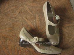 Новые, брендовые туфли. 38, 5р. Clarks