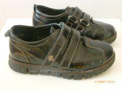 Кожаные туфли  на девочку р. 27