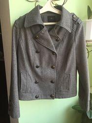 Стильный  шерстяной пиджак-куртка