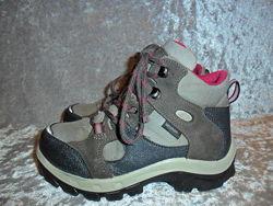 Замшевые деми  ботинки  Quechua р. 29-30 NovaDry