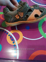 Кроссовки, туфли на мальчика
