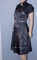 Нарядное элегантное платье 44