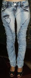 Cтильные модные джинсы