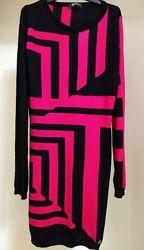 Шикарное платье  Versace, оригинал. Размер М. шерсть мериноса