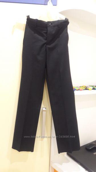 Школьные брюки р. 122