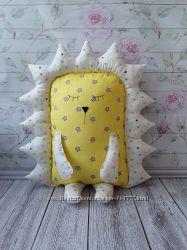 Декор в детскую подушка ёжик