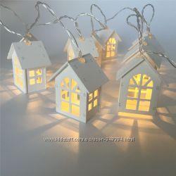 Гирлянда домики деревянные, шарики из ротанга, кролики, пчелки на батарейка