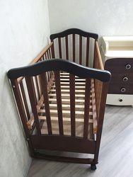 Деревянная кроватка с ортопедическим матрасом