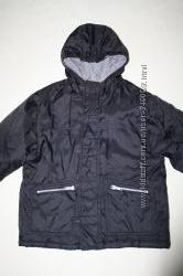 Фирменная демисезонная куртка , без нюансов