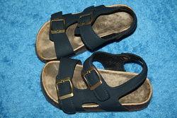 Фирменные сандалии Primark в отличном состоянии