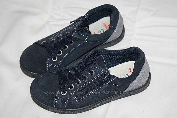 Замшевые туфли Elefanten состояние новых