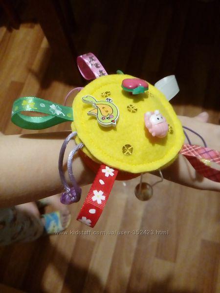 Браслет-пищалка из фетра для детей 6 мес - 2 года