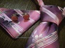 Нарядный комплет для мужчины галстук, платок, запонки