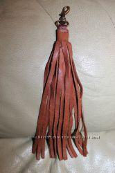 Кожаная подвеска на сумку кисточка китица