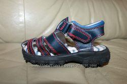 Кожаные босоножки сандалии GEORGE UK 5 EUR 22, стелька 14 см