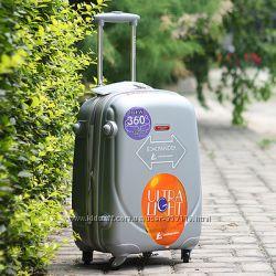 Ударопрочный пластиковый большой чемодан Ambassador