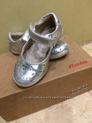 Кожаные ортопедические серебристые туфельки Bata 24 размер