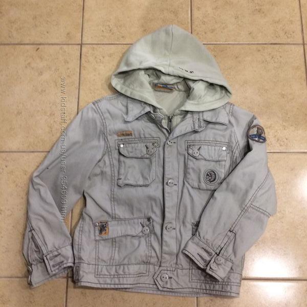 Классная курточка Wojcik на мальчика 7-9 лет в отличном состоянии