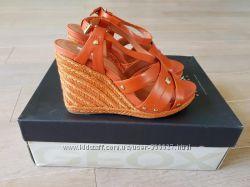 Кожаные босоножки Geox Women&acutes D Victory B Wedge Sandals, оригинал, 2 цвета