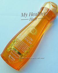 Безсульфатный шампунь от выпадения волос Daeng Gi Meo Ri Yellow Blossom