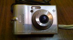 СРОЧНО цифровой фотоаппарат Nikon CoolPix L12 с картой памяти