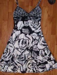 Красивое нарядное платье, р. М, наш 44-46