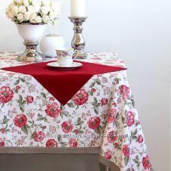 Праздничные новогодние скатерти, дорожки для стола в наличии, выбор