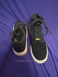 Чудові черевики Кунсто