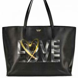 Новая сумка Victoria&acutes Secret 3D Love tote с 3Д голограммой