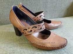 Indigo by Clarks кожаные очень красивые туфли, US 9, 25 см