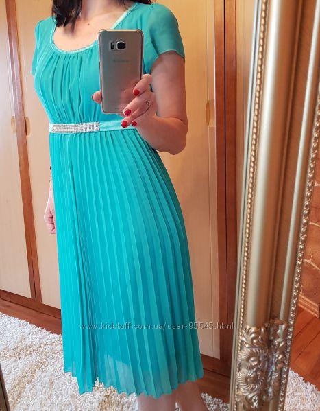 Плаття  шикарного кольору