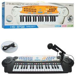 Пианино - синтезатор с микрофоном 3702