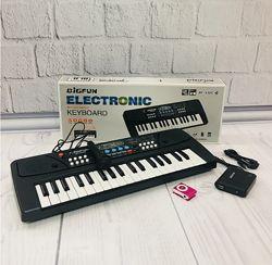 Пианино - синтезатор с микрофоном и плеером 430 Плеер разных цветов