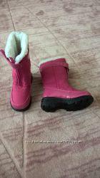 продам нові чобітки totes сша р7, устилка 13.5см