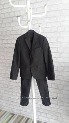 нарядный приталенный костюм для школы разм. 122-128 Dresdner Германия