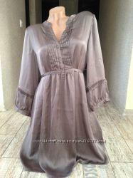Красивое атласное платье р. L
