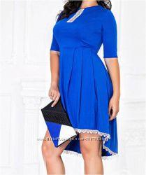 Потрясающее ассиметричное платье цвета электрик в наличии