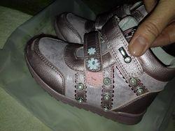 Ботинки 24р кроссовки