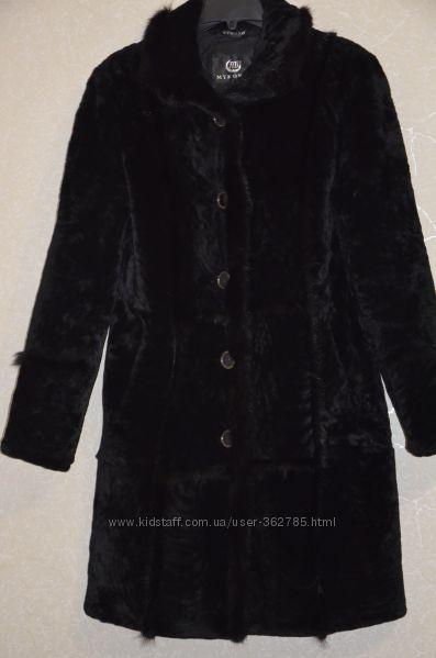Пальто мутон с норочкой в отл. состоянии.