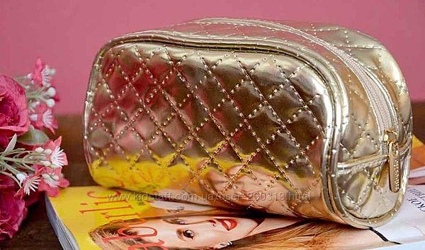 Косметичка стильная модная золотая