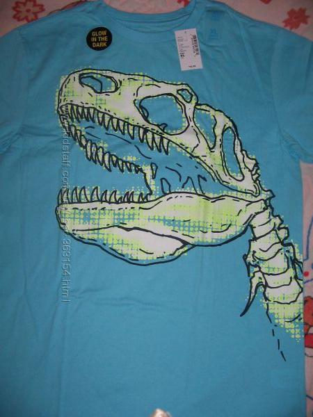 футболка Childrens Place светящимся рисунком Dino