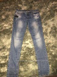 Фирменные джинсы новые размер 29