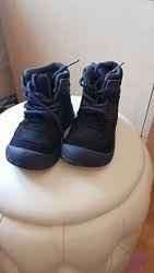 Стильные легкие ботиночки oshkosh 14см с защитой носков