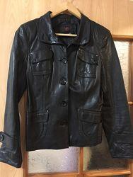 Кожаный черный пиджак