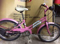 Отличный велосипед для девочки.